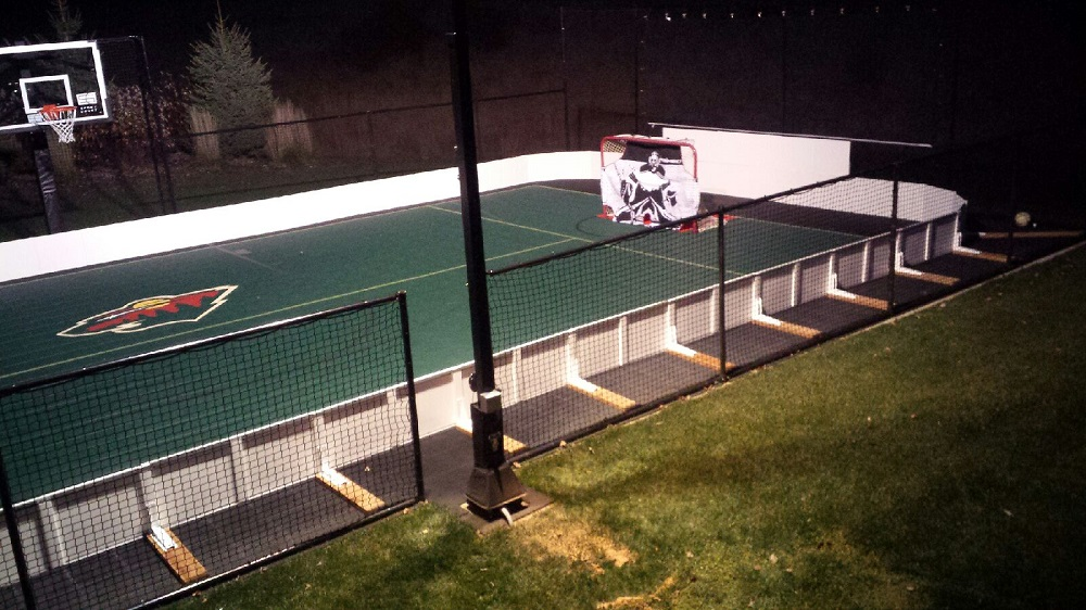 Hockey Boards And Sports Walls For Recreational Rinks On Backyard Courts,  Indoor Rec Room Rinks, And Basement Rinks.