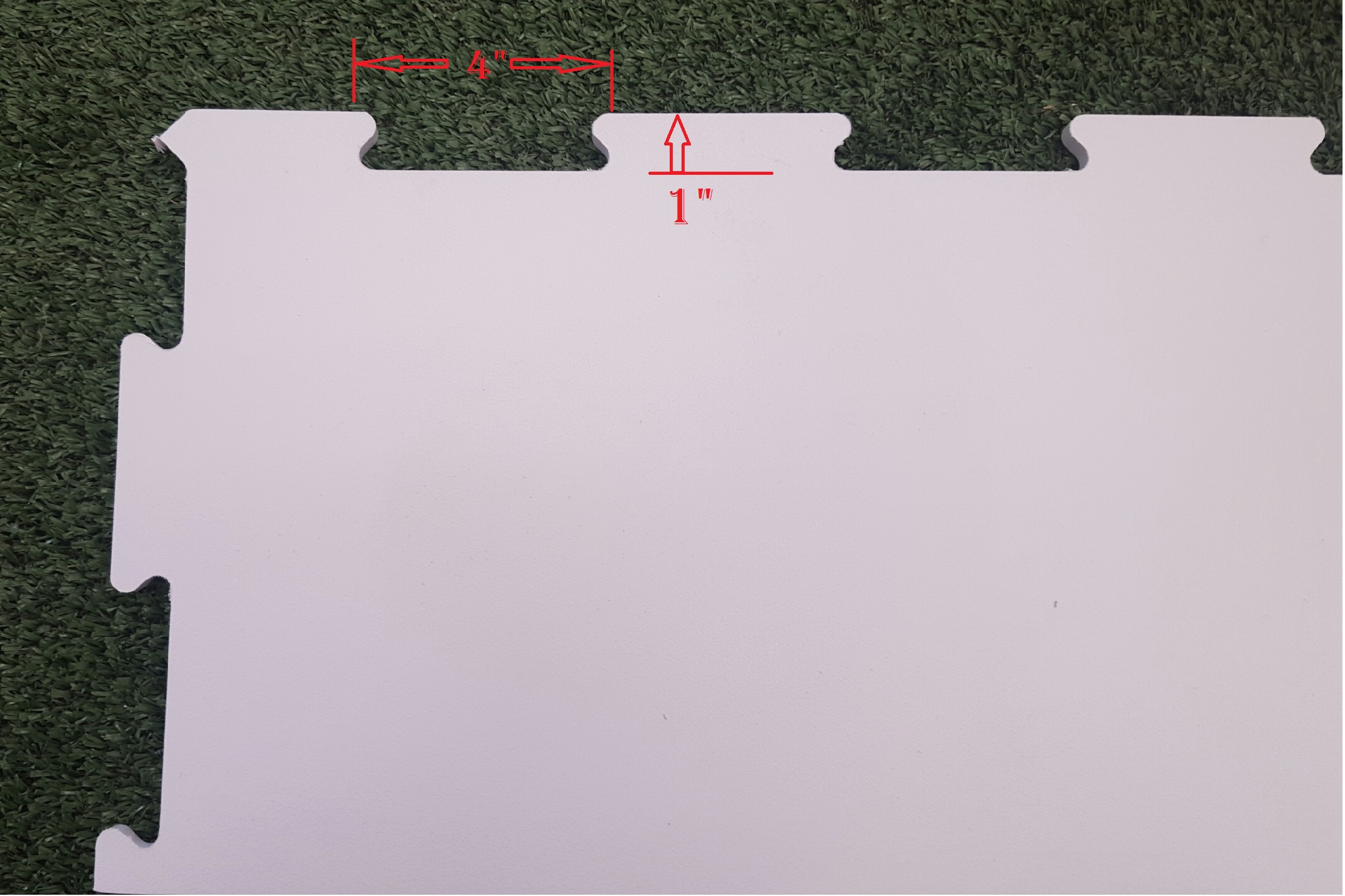 Synthetic ice close-up.  How to connect adjacent sections.